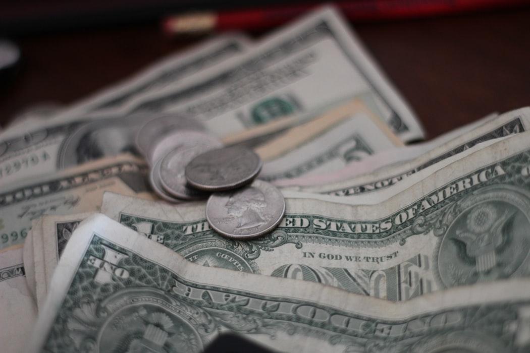 Изменения курса рубля к доллару и евро